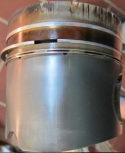 Überhitzter Kolben mit Fress-Spuren